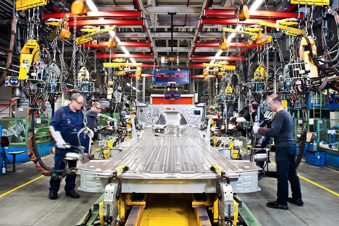 Mercedes-Benz Werk Bremen | Werkguides | Full Moon Group