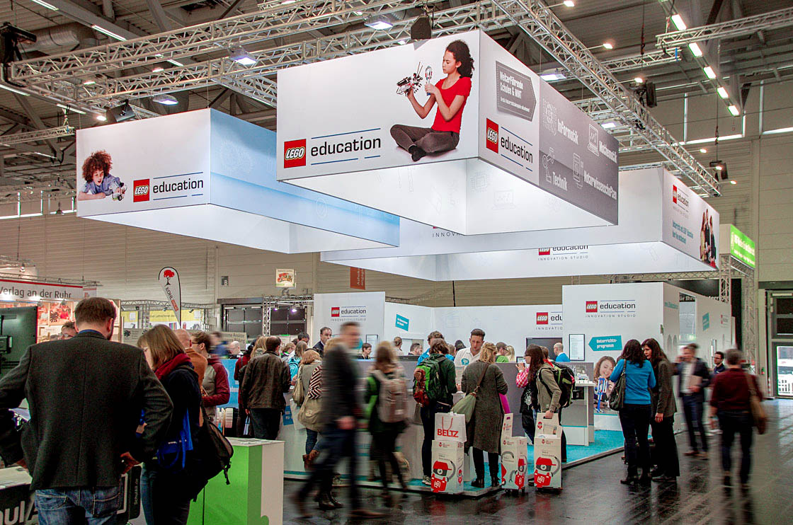 DIGITAL & COMMUNICATION Referenz - LEGO® - Education exhibition stand
